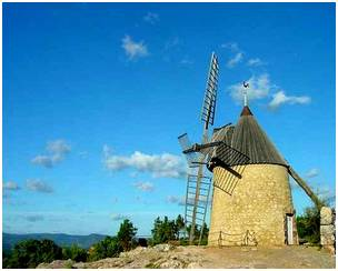 Le moulin restaur� de Saint-Chinian